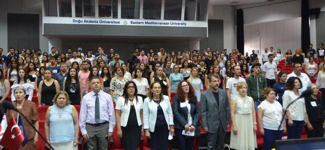 """DAÜ'de """"Küresel kaos ortamı ve hemşireliğe yansımaları"""" paneli gerçekleştirildi"""