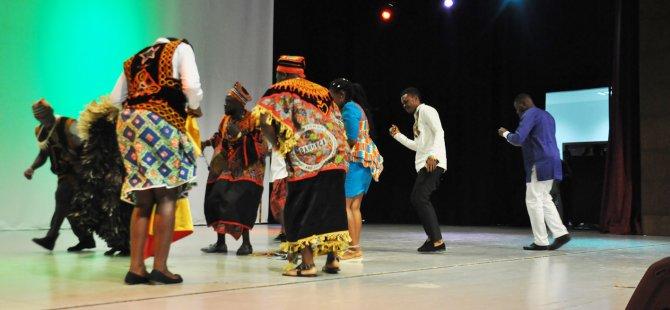 DAÜ'de Afrika kültürel gecesi düzenlendi