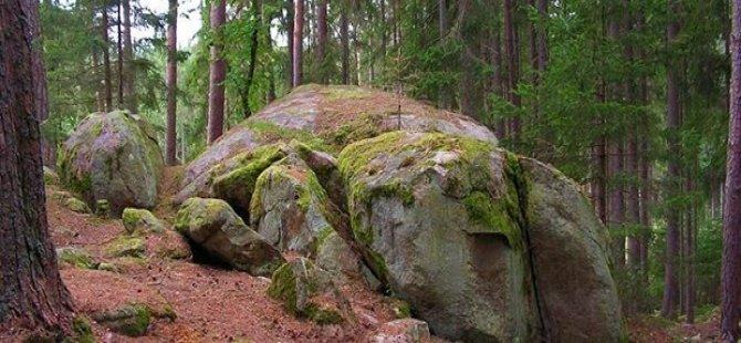 4 milyar 240 milyon yaşında kaya bulundu