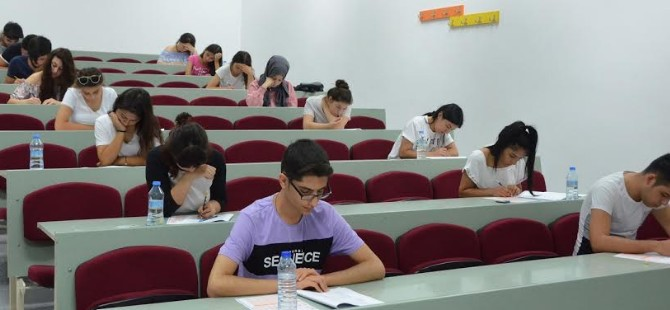 DAÜ giriş ve burs sınavı rekor bir katılım ile gerçekleştirildi