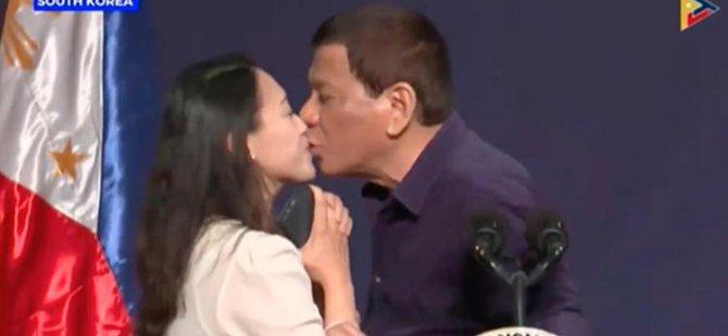 Herkesin önünde zorla dudağını öpmüştü... İlk savunması geldi