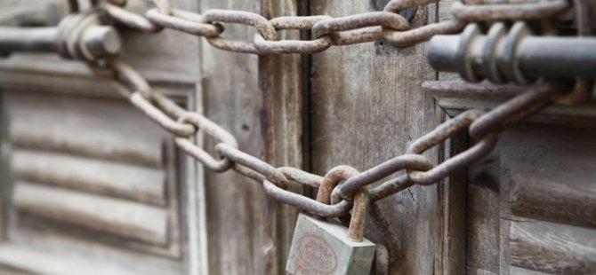 Skandal Karar: Camileri kapatıyorlar...