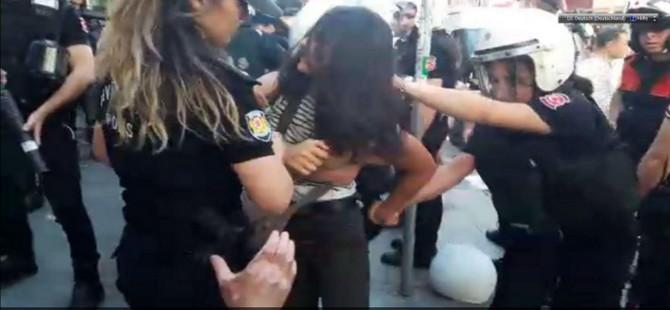 Kadıköy'de lise öğrencilerine polis dayağı