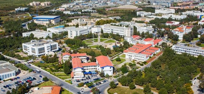 DAÜ ile Warwick Üniversitesi arasındaki büyük iş birliği sürüyor