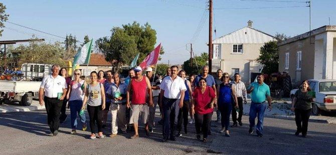 Çelebi ve belediye meclis üyesi adayları Şirinevler ve Akçiçek'de bildiri dağıttı