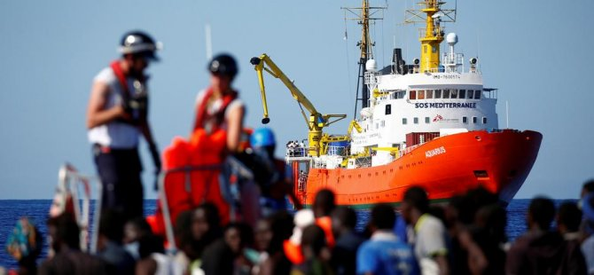 İspanya Akdeniz'de bekleyen sığınmacılara kapısını açtı