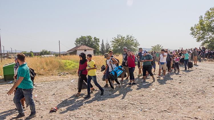 BM uyardı: '2.5 milyon kişi sınıra dayanabilir'