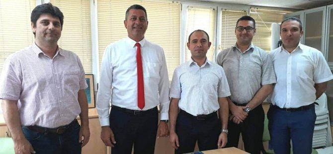 Adalıer Lefkoşa'da mesleki birlik ve dernek yöneticileriyle bir araya geldi