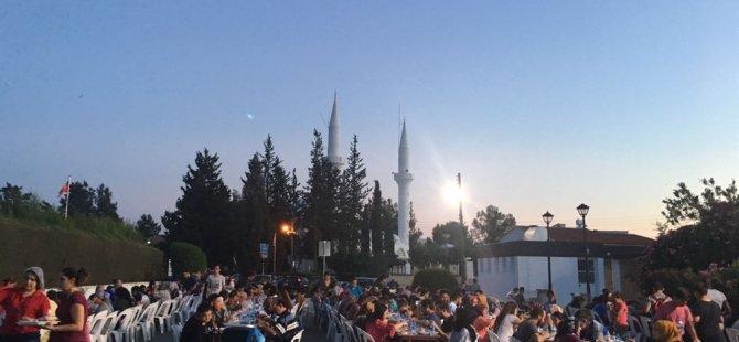Kızılay ile Ramazan boyunca 200 bin kişiye iftar yemeği verildi
