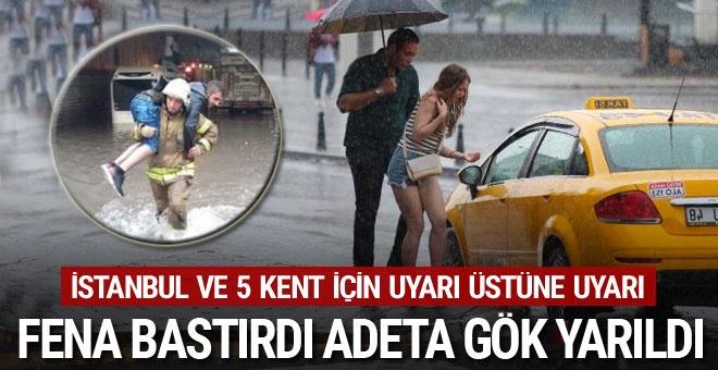 Hava karardı adeta gök yarıldı! Yağmur İstanbul'u fena vurdu