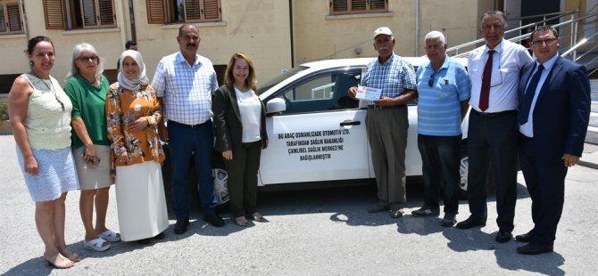 Sağlık Bakanlığı'na araç bağışı