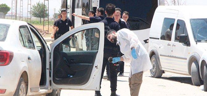 Suruç'ta havaya ateş açılarak durdurulan otomobilde 4 çuval oy pusulası ele geçti