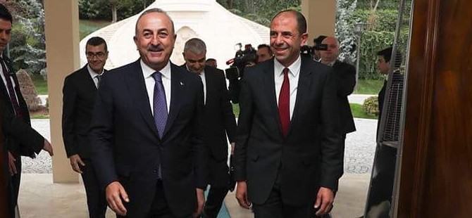 Özersay'dan Çavuşoğlu'na tebrik telefonu