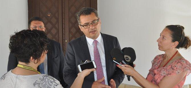 """Erhürman: """"Derinya ve Aplıç kapıları ile Maronitler konusu ele alındı"""""""