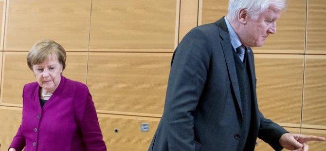 Almanya'da hükümet krizi büyüyor