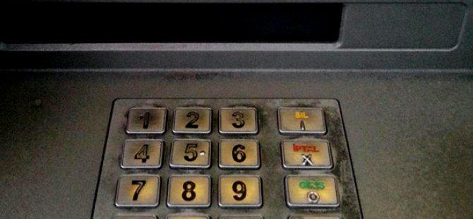 Koopteratif müşterileri ATM'ler önünde kuyruk oluşturuyor