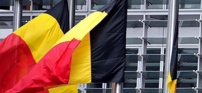 Belçika'da Müslüman kıza yönelik saldırı tartışılıyor
