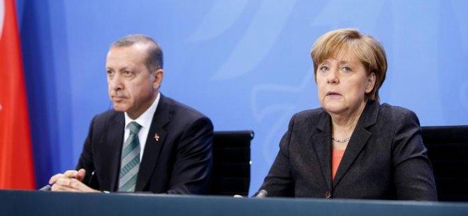 Merkel'in Türkiye ile 'yapıcı diyalog' arayışı