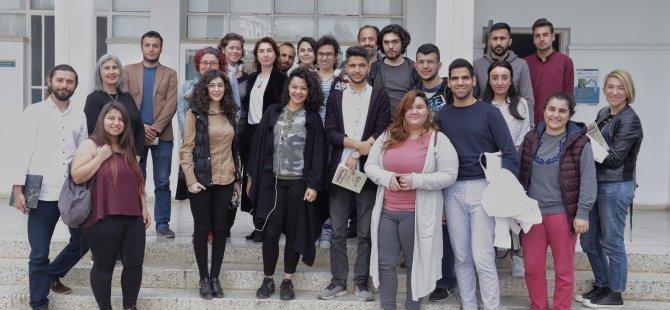 """DAÜ iletişim fakültesi'nde """"Siber Zorbalık"""" tartışıldı"""