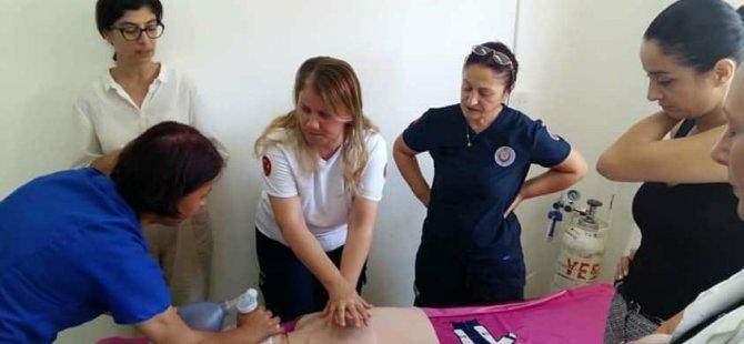 Sağlık merkezlerinde uygulamalı temel yaşam desteği eğitimleri başlatıldı