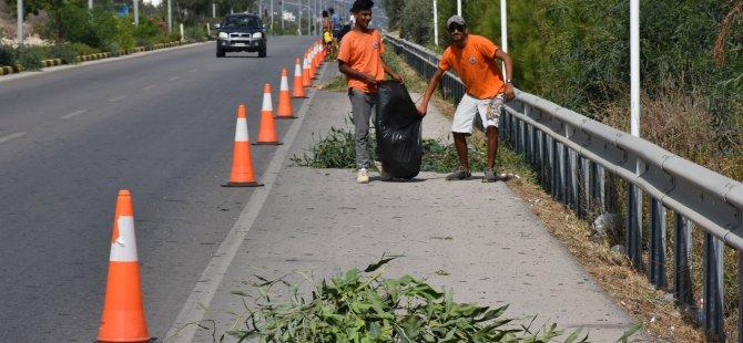 Girne batı çevre yolu temizleniyor