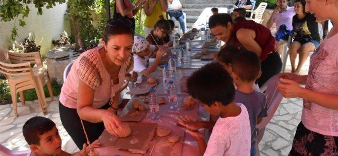"""Girne Belediyesinin """"Yaz Tatili Çocuk Ve Gençlik Atölyeleri"""" devam ediyor"""