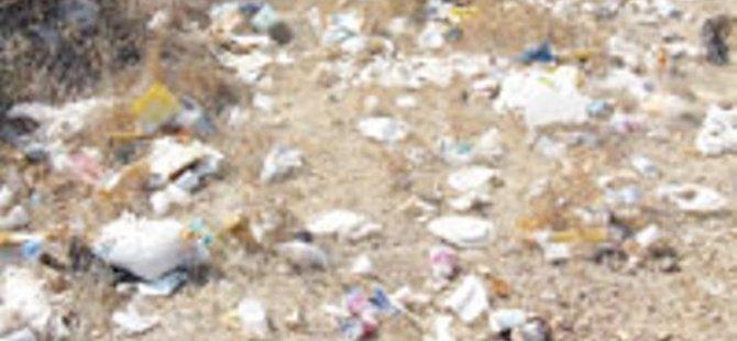 Sahil ve çevreyi çöplüğe dönüştürmekten usanmıyoruz