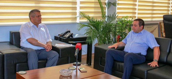 Serdar Denktaş Gazimağusa belediyesi'ni ziyaret etti