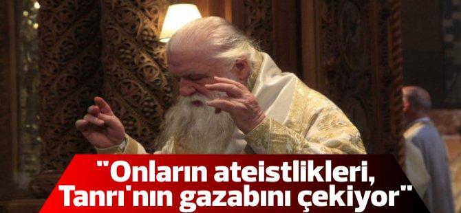 Yunan psikopos: Yangın, Çipras ateist olduğu için çıktı