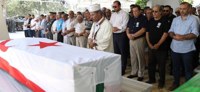 Emekli Yüzbaşı Mahmut Akay, askeri törenle son yolculuğuna uğurlandı