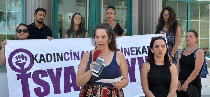 Kadın eğitimi kolektifi Çalışma Ve Sosyal Güvenlik Bakanlığı önünde eylem yaptı