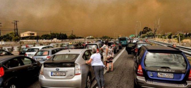 Yunanistan'daki yangının nedeni belli oldu; muhalefet Çipras'a tepkili