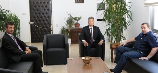 Denktaş, Karakoç'u kabul etti