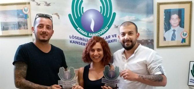 """""""Bir El Uzat"""" adlı konserin geliri Kemal Saraçoğlu Vakfına bağışlandı"""