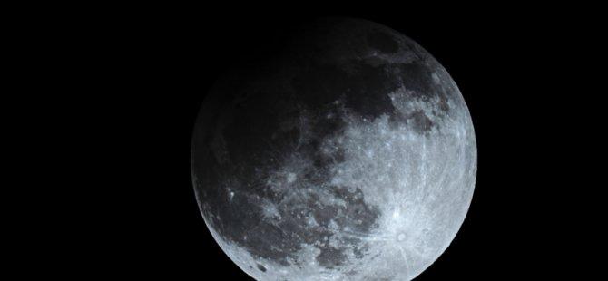 Ay tutulmasına bir de böyle bakın: Dünya'nın tam gölgesi
