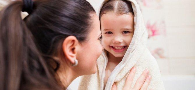 Çocukları çok sık yıkamayın