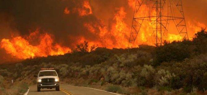 Kaliforniya eyalet  tarihinin en büyük yangınıyla mücadele ediyor