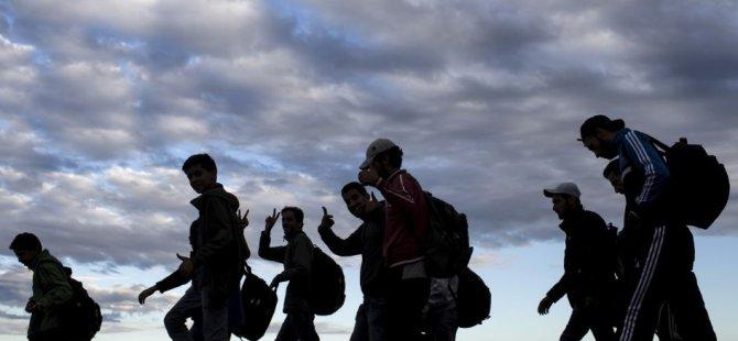 İngiliz Üslerindeki göçmen sorunu devam ediyor
