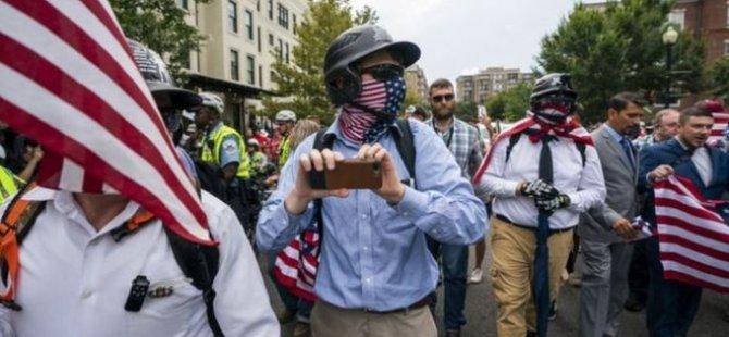 Washington'da ırkçıların gösterisine sadece 20 kişi katıldı