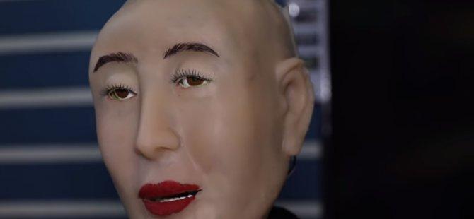 Dünyanın ilk Hindu insansı robotunun manevi yönü çok yüksek