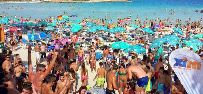Güney Kıbrıs'a turist akışında azalma