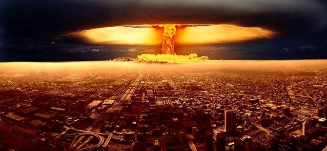 """""""Türkiye saldırılmaz olabilmek için nükleer bombaya başvurabilir"""""""