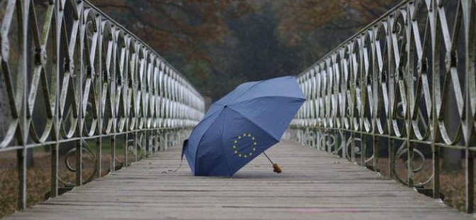 Yunanistan artık kendi ayakları üzerinde duracak