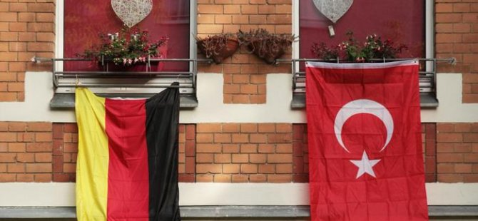 Almanya Türkiye'den yapılan iltica başvurularının yarısını onayladı