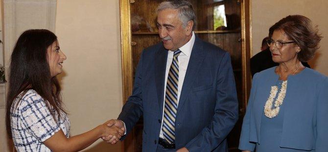 Enfield Belediye Meclisi'nin Kıbrıslı Türk Başkanı Nesil Çalışkan Akıncı'yı ziyaret etti