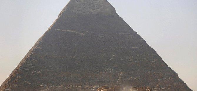 Keops piramidi büyüklüğünde bir asteroit, dünyaya yaklaşıyor