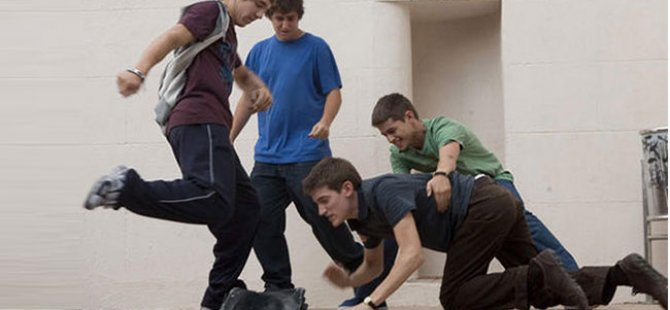 Gençlerin yarısı okulda şiddet görüyor