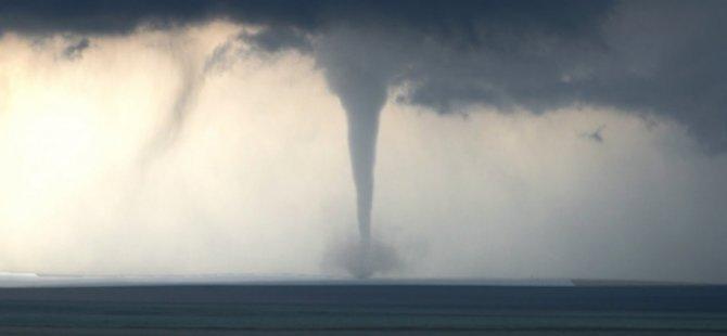 Kasırga paniği