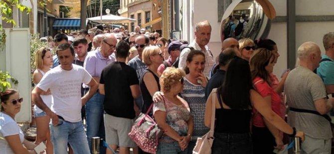 Rumlar KKTC'de kredi kartlarıyla 14 milyon Euro harcadı