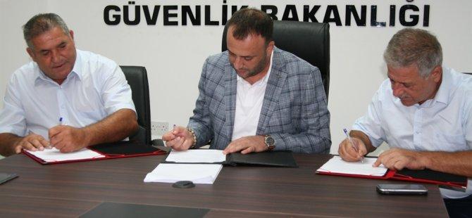 Çalışma Bakanlığı ile İnşaat Müteahhitleri Birliği ve İnşaat Taşeronları Birliği arasında işbirliği protokolü imzalandı
